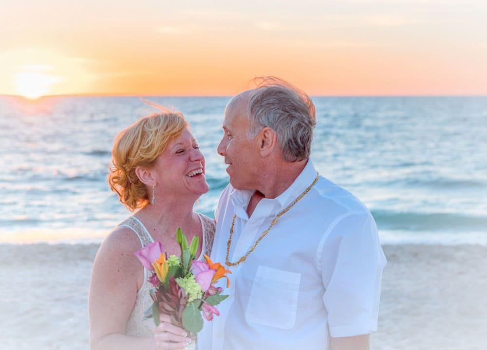 7 Online Dating Safety Tips For Seniors